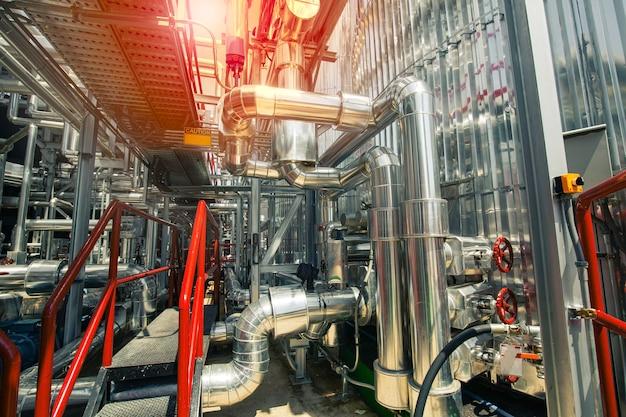 믹서 제품 엔진 오일용 대형 광택 탱크가 있는 현대식 탱크 및 파이프라인 화학 공장