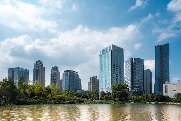 Современный городской архитектурный ландшафт шаосин китая