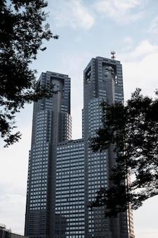 Vista di edifici urbani moderni