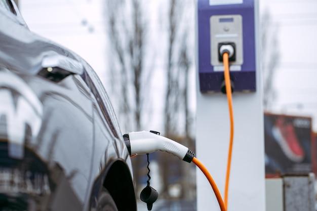 Современный автомобиль эко автомобиль транспорт мощность зарядка