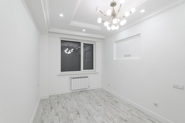 창 현대 흰색 빈 방