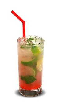 Фруктовый коктейль мохито. традиционный холодный напиток летом.
