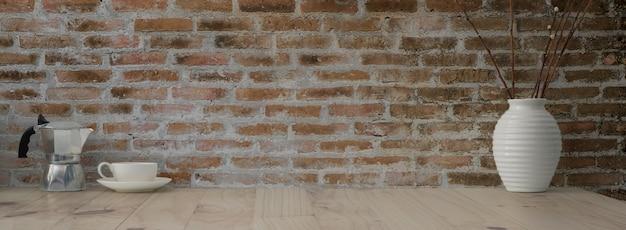 Крупным планом вид деревенского рабочего пространства с moka горшок, чашка кофе, керамическая ваза и место для кофе