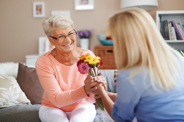 Mamma, questi fiori sono per te