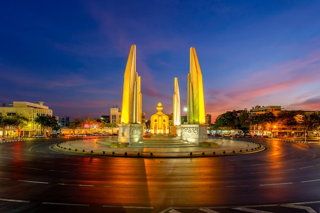 Moment of democracy monument at twilight time it's not car on the roads (bangkok, thailand)