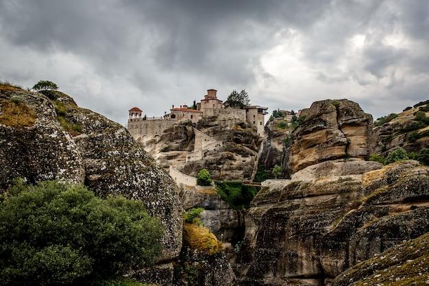 ヴァルラーム修道院、ルサノウ修道院、聖ニコラスアナパヴサ修道院、ギリシャのメテオラにある大流星修道院
