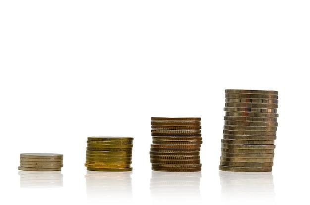 積み上げられたお金のコイン。金融とお金の節約の概念