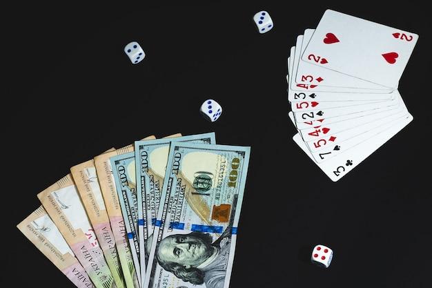 검은 배경에 돈 오지와 카드