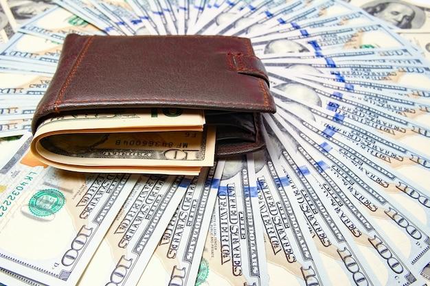 돈 표면에 지갑에 돈 달러