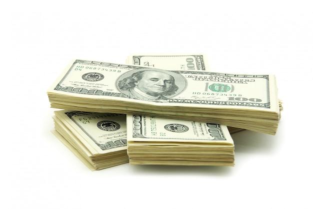 Деньги на белом изолированные