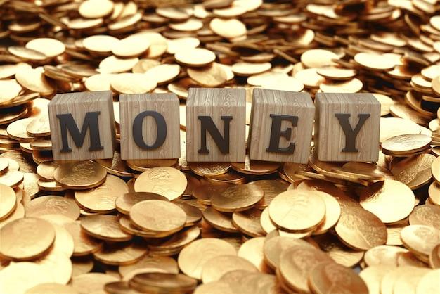 나무 블록, 동전 및 지폐에 돈. 비즈니스 및 경력 개념. 3d 렌더링.