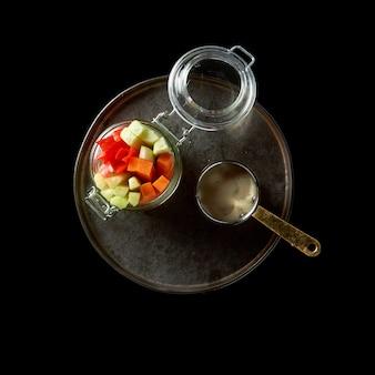 モンゴル牛肉。アジアンスタイルのスパイスと醤油で煮込んだ牛肉のかけら。