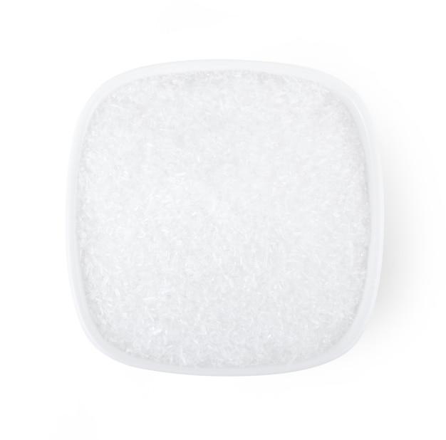 흰색 바탕에 그릇에 글루탐산 나트륨