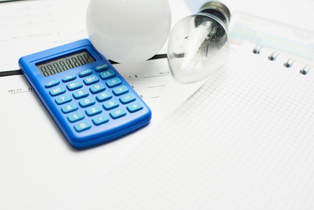 월간 공과금. 유틸리티 비용. 월 예산의 유틸리티 비용 계획