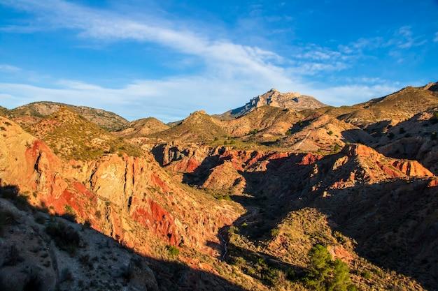 스페인 발렌시아 공동체 xixona (alicante) 기간의 montnegre 계곡.