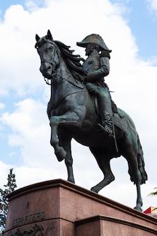 Памятник генералу эспартеро. логроньо