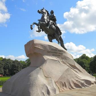 Памятник петру великому в санкт-петербурге, россия
