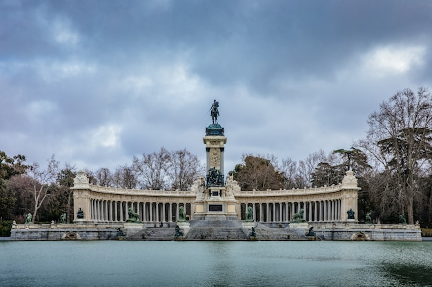 Monument to the retirement park, madrid