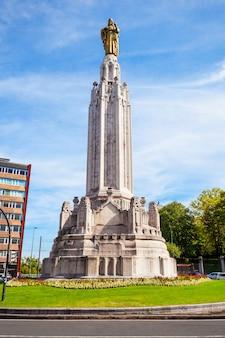 スペイン北部のバスク地方、ビルバオ市にあるイエスの聖心の記念碑