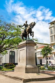 라틴 아메리카 파나마 시티의 토마스 데 에레라 기념비