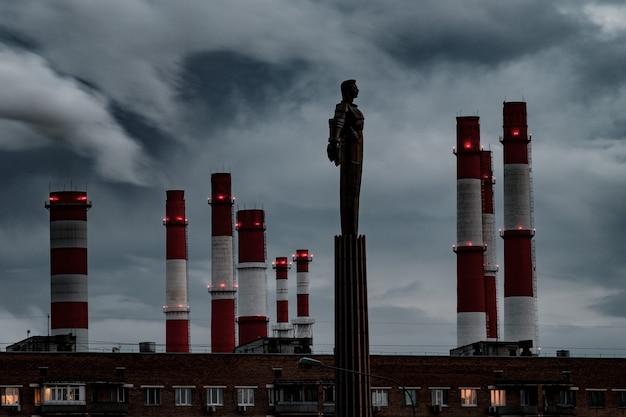 Памятник юрию гагарину на ленинском проспекте в москве