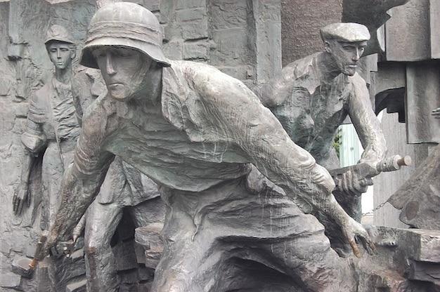 Monumento varsavia nascente rivolta guerra lotta cialis
