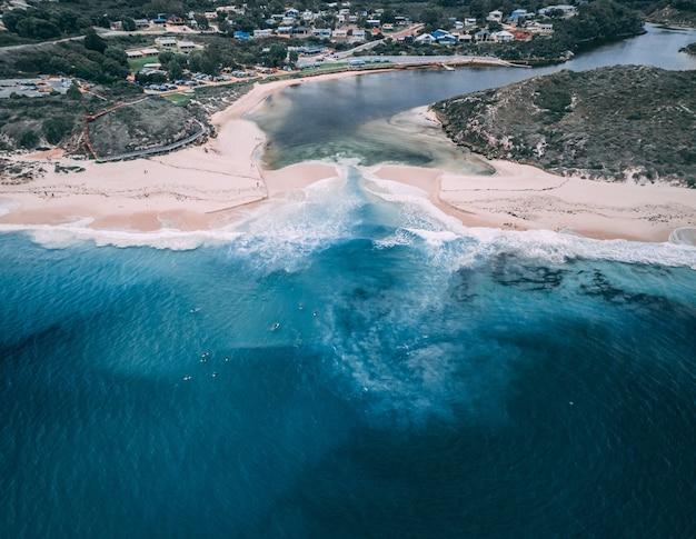 西オーストラリア州ギルダートンのムーア川