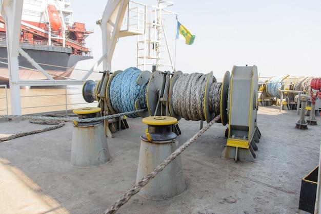 Mooring gear on cargo ship