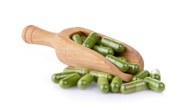 Moringa capsules in the scoop on white