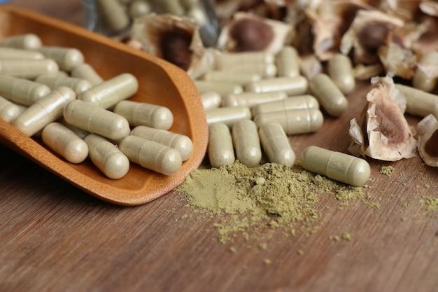 Moringa capsules with dried