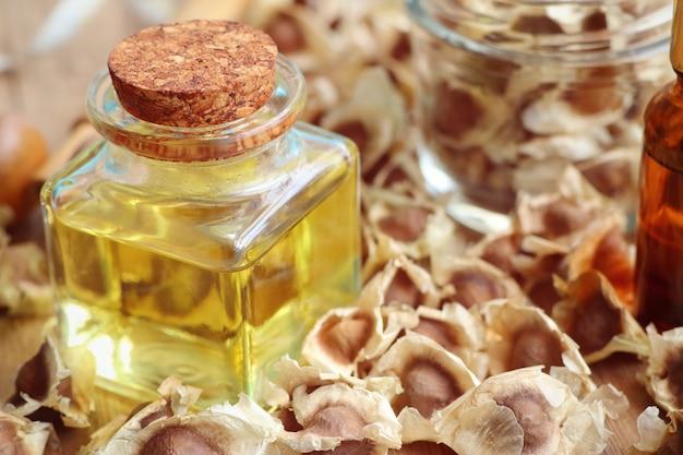 Moringa oil with dried