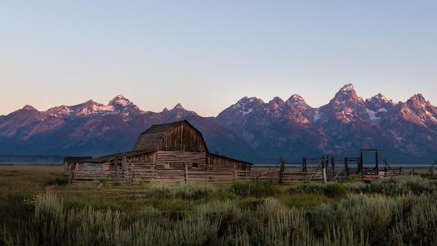 Mormon row sunrise at grand teton national park