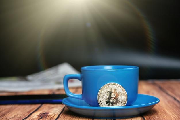Утренние новости о биткойнах и чашечке вкусного кофе.