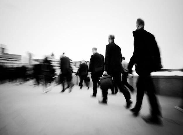 ロンドンの朝の通勤者