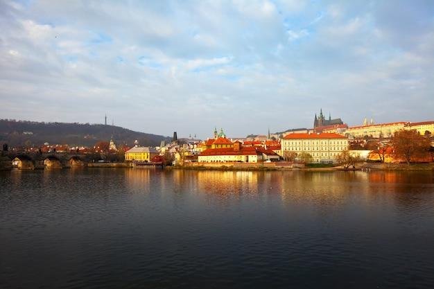 ヴルタヴァ、プラハの朝の眺め