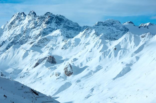 아침 겨울 silvretta 알프스 스키 리프트 (티롤, 오스트리아)와 풍경.