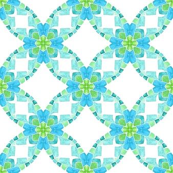 モザイクのシームレスなパターン。緑の好ましい自由奔放に生きるシックな夏のデザイン。手描きの緑のモザイクのシームレスな境界線。テキスタイル対応の注目すべきプリント、水着生地、壁紙、ラッピング。