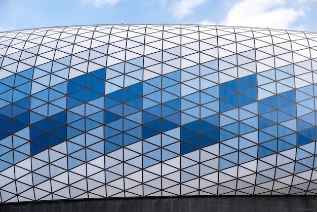 モスクワ、ロシア2019年3月9日。モスクワのダイナモスタジアムのクローズアップ。首都の主要なスポーツ施設の1つを建設。