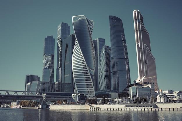 Москва, россия - 29 августа 2016: крупным планом панорама международного делового русского центра в городе москва