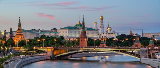 Moskva river with long exposure near the kremlin in the evening in moscow, russia