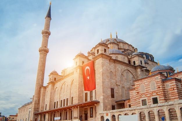 이스탄불 터키의 모스크 건축 기념물 이슬람교의 중심 cami mescit