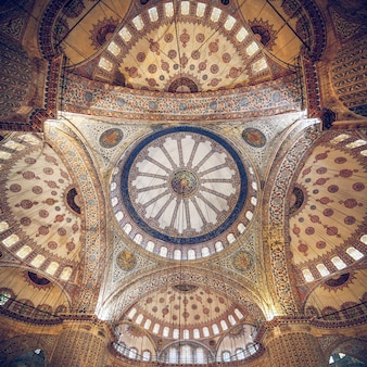 Mosque intricate ceiling. also know as the sultan ahmed mosque, it is historic mosque in istanbul, turkey.