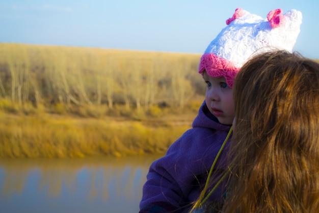 Мать и дочь богаты природой любовью