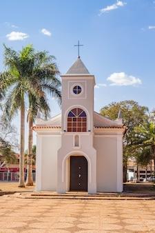 サンパウロのプラデポリス市の母教会。垂直