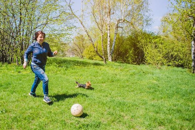 Madre, gioco, calcio, parco