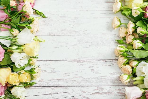Поздравительная открытка ко дню матери. с днем рожденья! подарок ко дню святого валентина. 14 февраля.