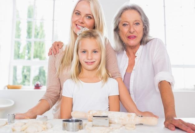 어머니와 딸이 함께 요리