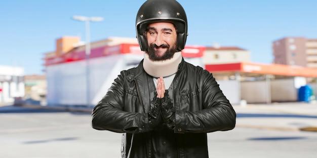 バイクライダー未亡人