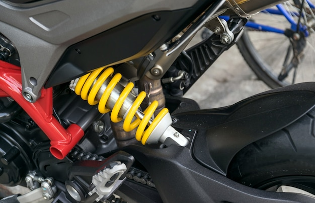 Амортизатор мотоцикла - устройство для поглощения ударов и вибраций, особенно на автомобиле.