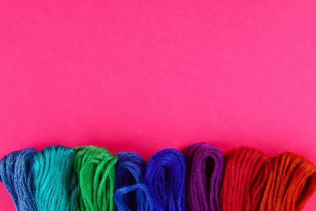Мулине. разноцветная нить для вышивания. разноцветная нить для вышивания. нитки мулина.